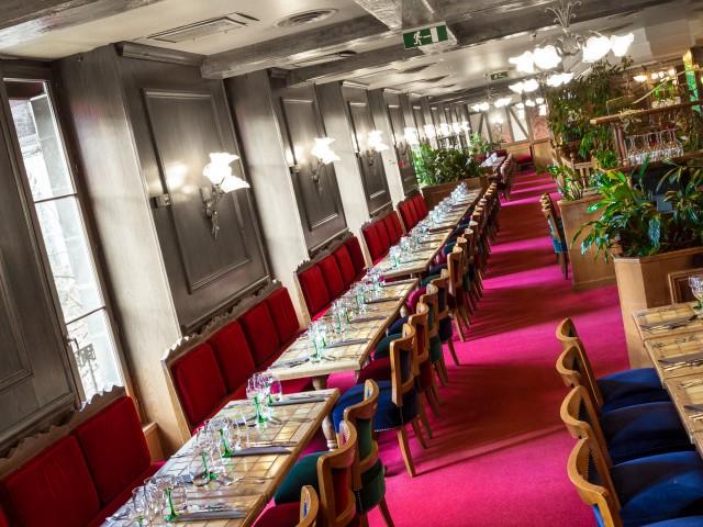 Brasserie Madeleine mise en place groupe de 100 personnes